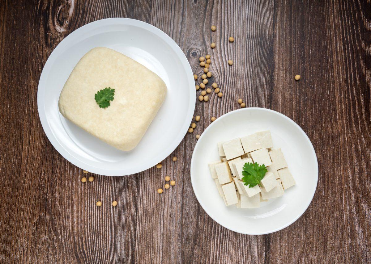 Tofu, soybeans